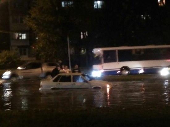 Прошедший ливень затопил несколько улиц в Тамбове