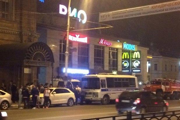ВТамбове вначале рабочей недели вечером эвакуировали гостей крупнейших ТРЦ города