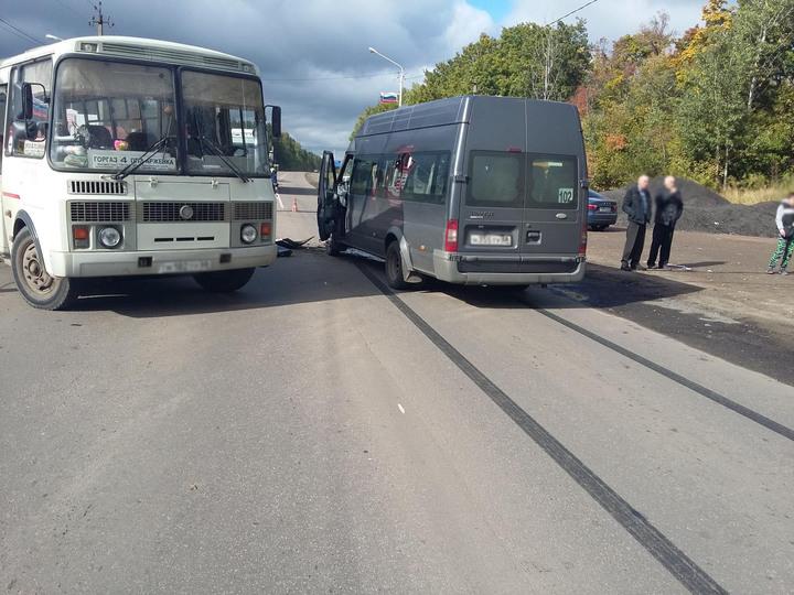 ВТамбовской области столкнулись два автобуса: пострадали 7 пассажиров