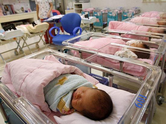 Более восьми тысяч детей родилось в Тамбовской области в 2017 году