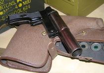 В Тамбове мужчина, угрожая супруге, выстрелил в пол из сигнального пистолета