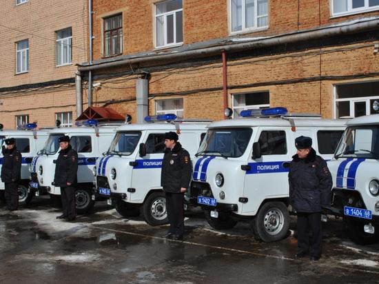 Тамбовские полицейские получили ключи от 14 новых автомобилей